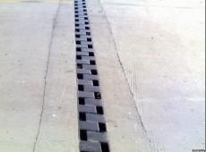 供应桥梁C型伸缩缝 桥梁异型钢伸缩缝