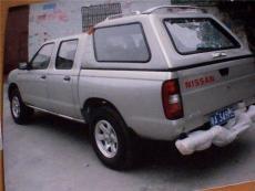 日產皮卡車車蓋