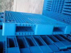 化工塑料托盘堆垛
